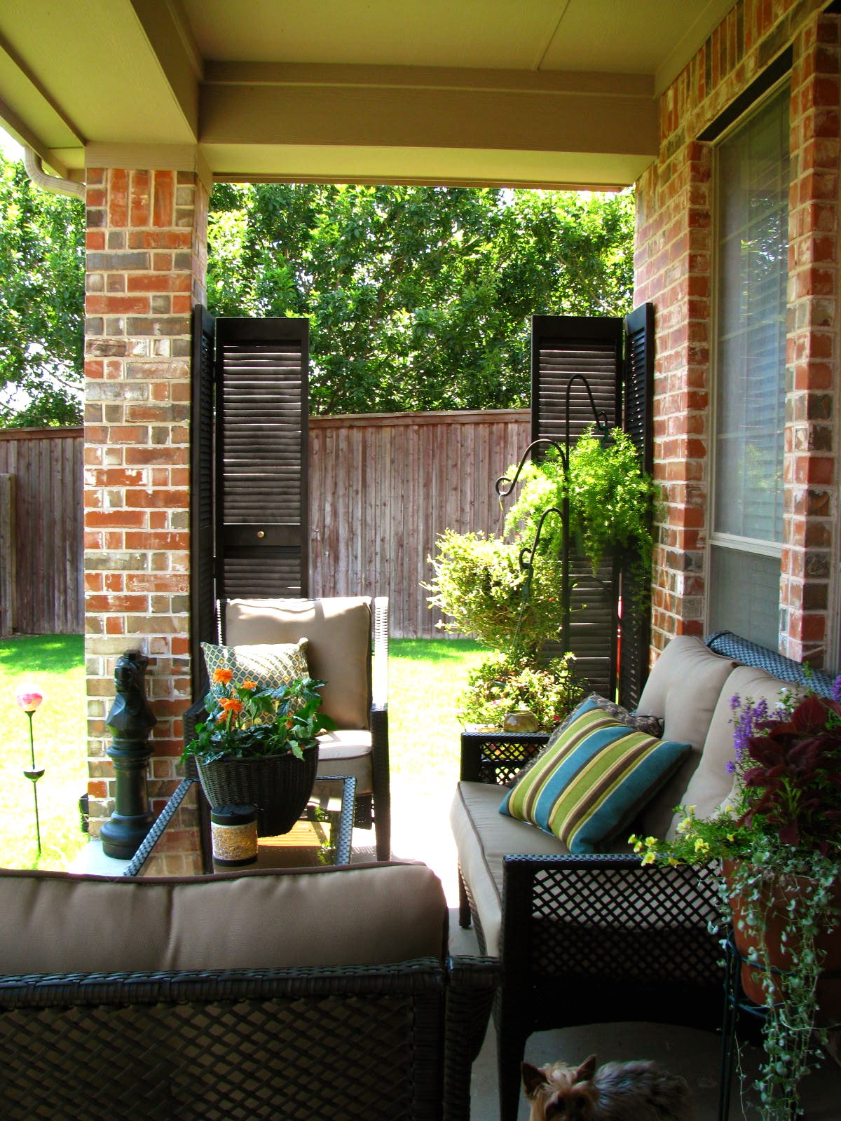 MAY DAYS: A Small Patio Makeover on Backyard Patio Makeover id=84337