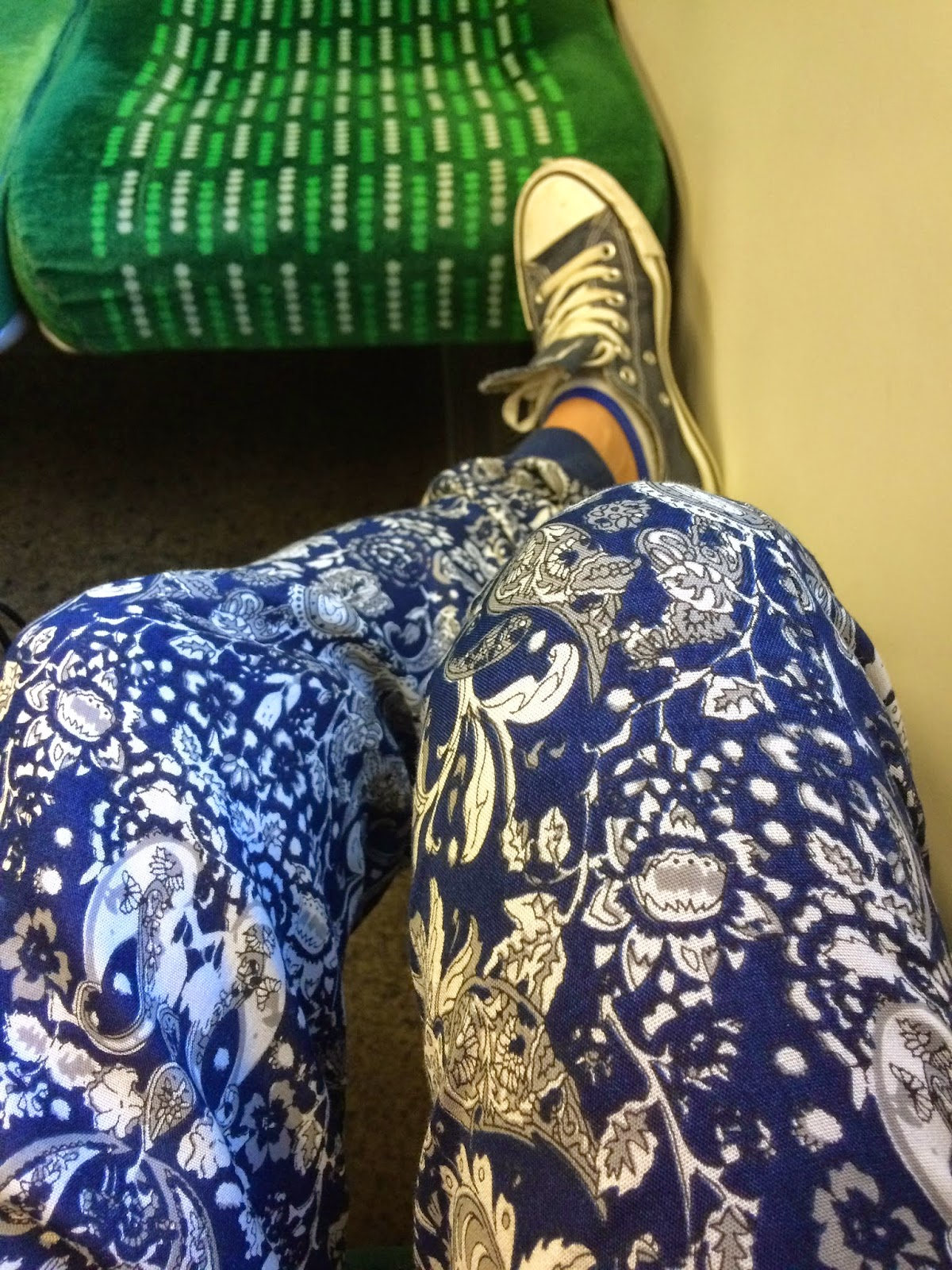 blogger on train wearing converse