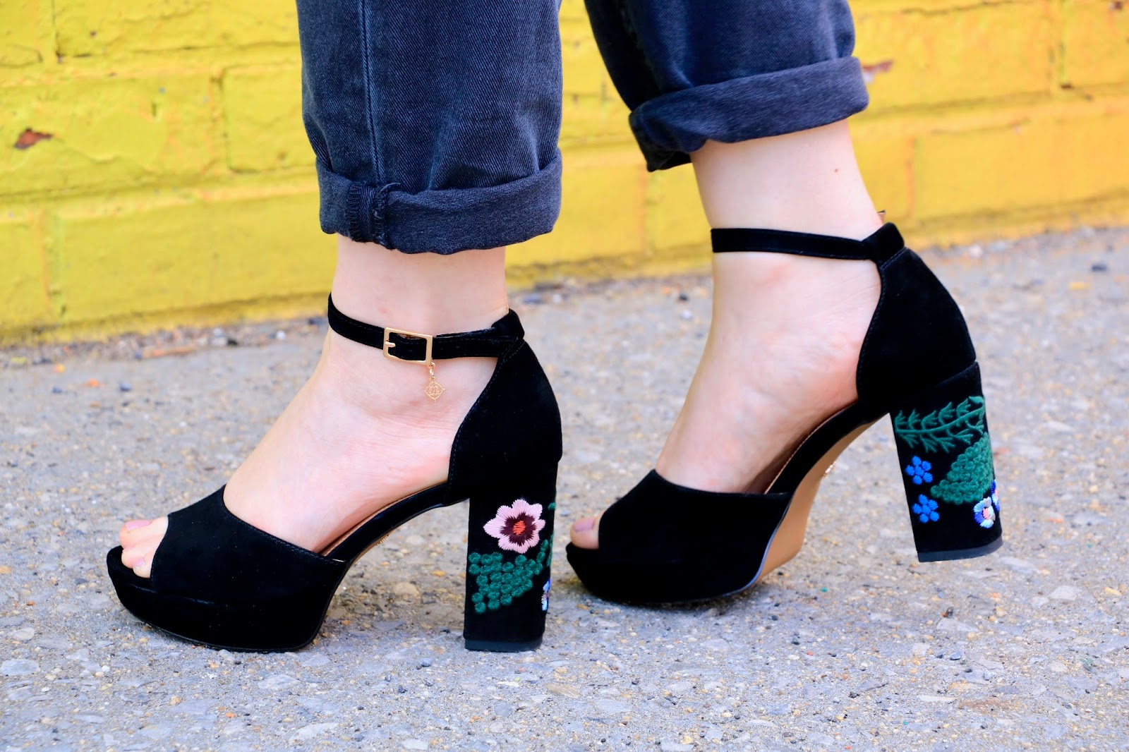 Black platform embroidered heels