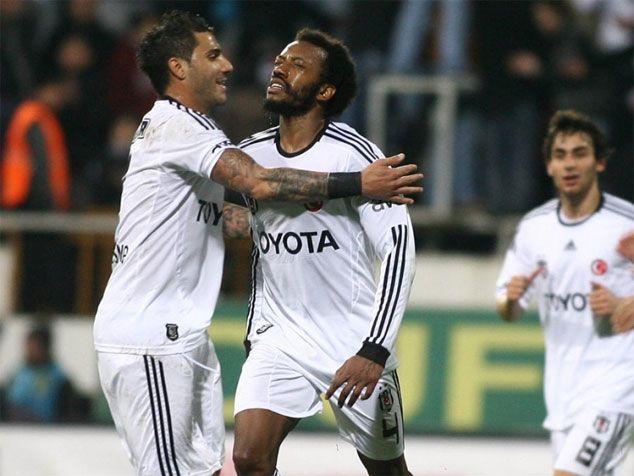 9550d27a32 Manuel Fernandes na mira do Newcastle (rejeitou renovar pelo Besiktas e  deve sair)  Quaresma rescinde com o Al Ahli