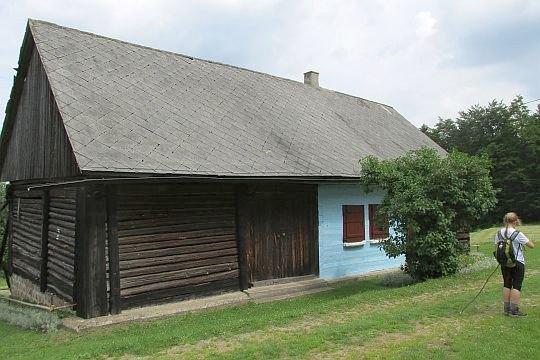 Stary dom na Przełęczy Carchel.