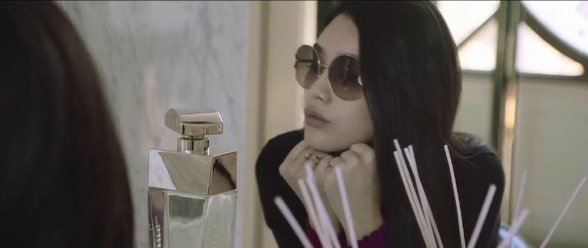 Salvatore Ferragamo pubblicità con modella cinese a Firenze con Foto - Testimonial Spot Pubblicitario Salvatore Ferragamo 2016