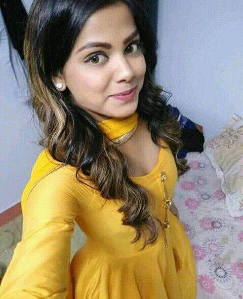 Ambreen Pakistani girl selfie