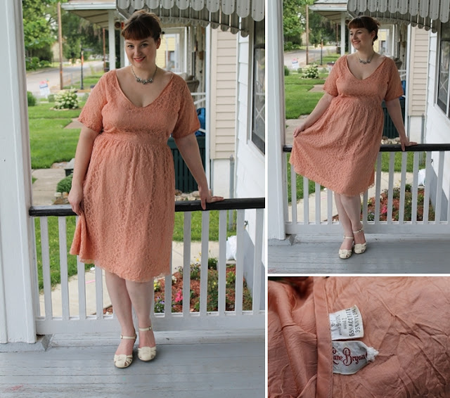 plus size 1940s 1950s retro fashion blog outfits via Va-Voom Vintage