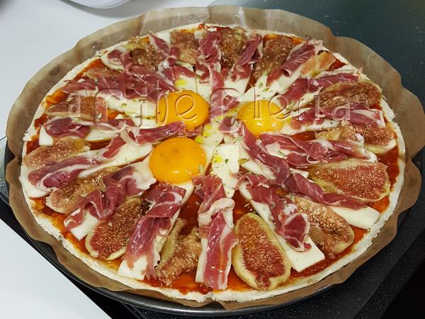 Receta de pizza con pan de molde para chuparse los dedos