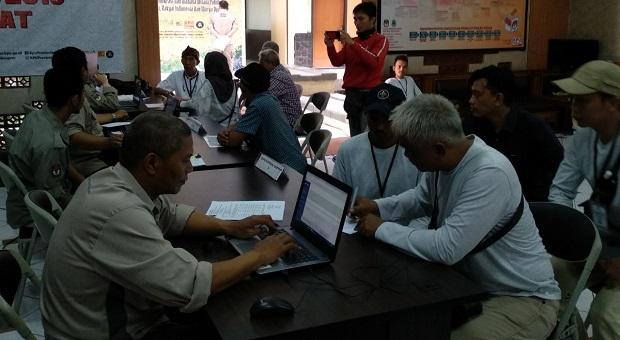 Hari Pertama Pendaftaran DPD, Berkas Dua Calon Diterima