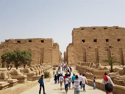 Avenida de las esfinges en Karnak