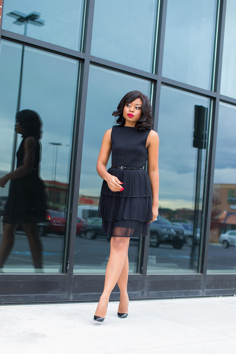 what to wear to holiday event, Little black dress, www.jadore-fashion.com
