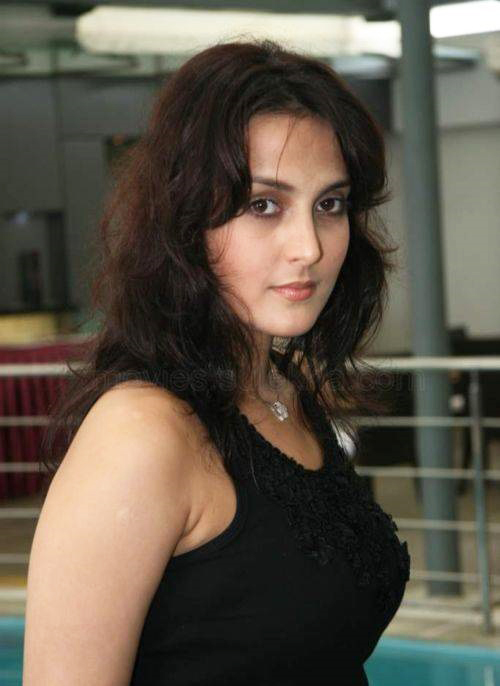Tulip Joshi Nude Photos 28