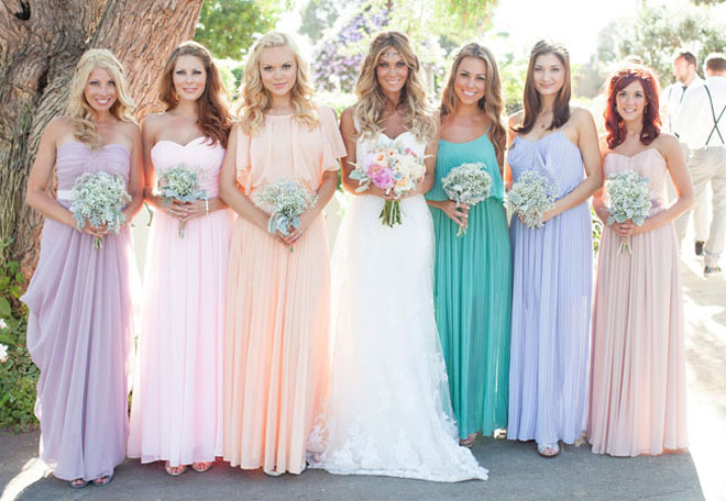 No 1 Decided To Do All Bridesmaids In Diffe Pastel Colors While The Other Brides Pic 2 And 3 Chose Two Or Three