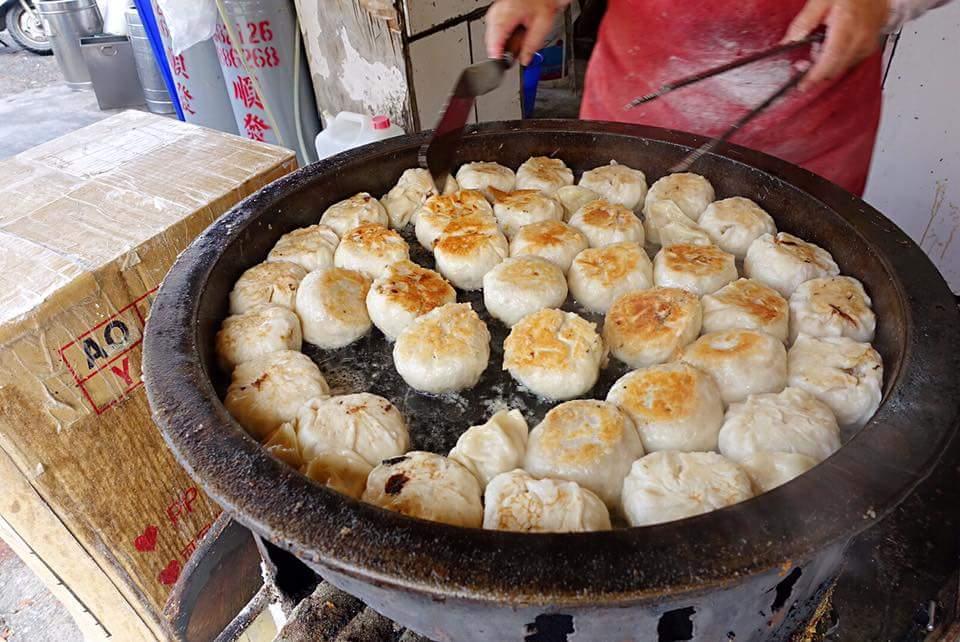 雲林-北港運動公園旁《蛋餅、水煎包、煎餃》假日時常大排長龍