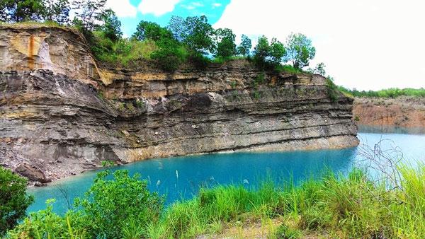 Danau Biru Pengaron
