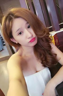 Vợ cũ Hồ Quang Hiếu mặt xinh vú khủng 2