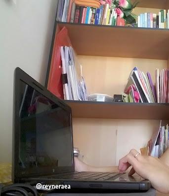 kerja dari rumah dengan laptop HP