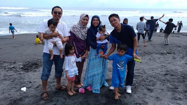 Wisata Keluarga ke Pantai Depok Yogyakarta