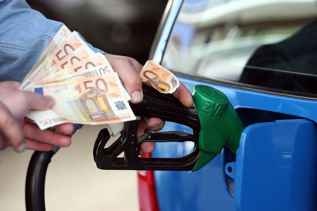 Σενάρια για αύξηση τιμών στα καύσιμα και τέλος μεταβίβασης, διαφοροποίηση στα τέλη ταξινόμησης