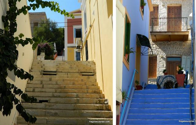 Escadarias na vila de Gialos, na ilha grega de Sými, Dodecaneso