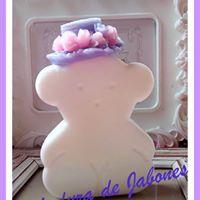 Jabón-osa-con-sombrero-tipo-tous-Chaladura-de-jabones
