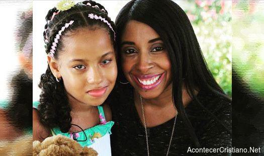 Lilly Goodman y niña ciega Daniela Rojas