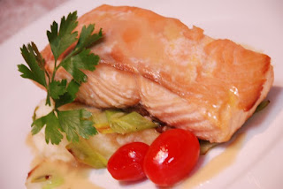 Salmon of Knowledge- Raglan Road The Recipes Of Disney 4 slices of salmon filet (about 8 oz each) cut in even pieces; no tails. 4 slices of Smoked salmon salt and freshly ground pepper Butter Mashed Potatoes (b