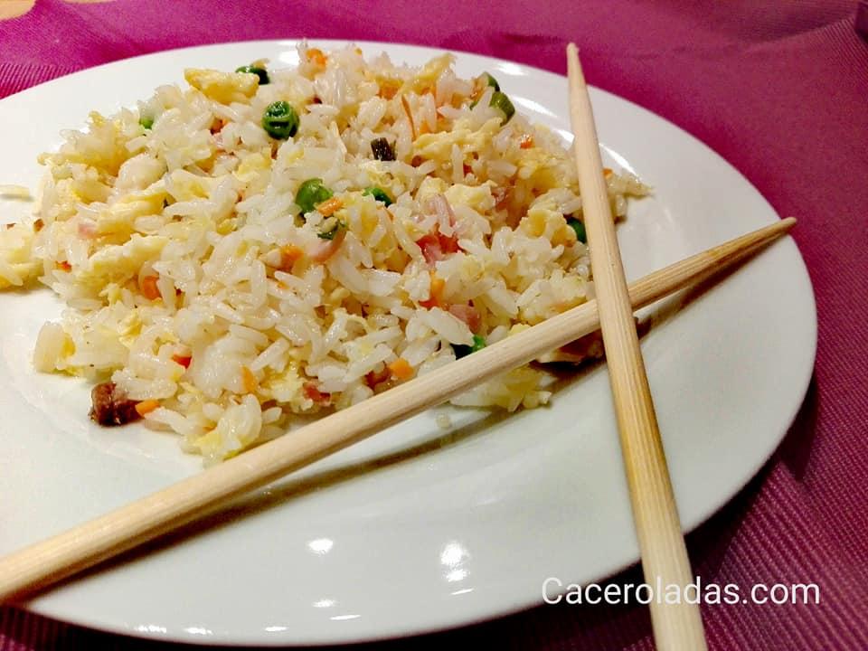 Arroz chino frito tres delicias caceroladas for Cocinar arroz 3 delicias