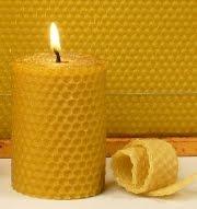 Foto de una vela amarilla de abeja - Derivado de abeja