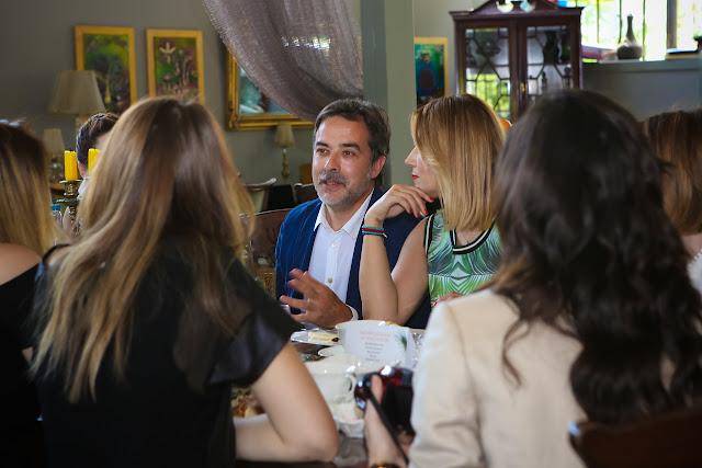 Prof. Dr. Ferit Demirkan yenilenen web sitesini güzel bir kahvaltıyla blog yazarlarına tanıttı