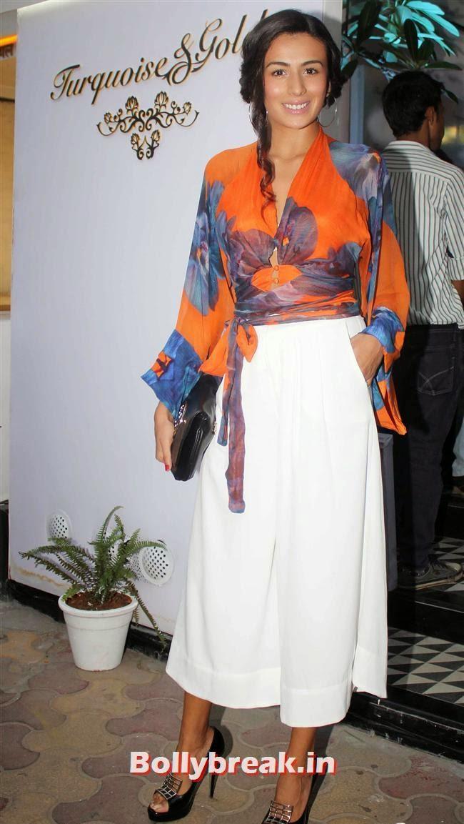 Pia Trivedi, Aditi Gowitrikar & Malaika Arora at Turquoise and Gold Store Opening