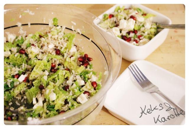 Wirsing Salat mit Feta und Granatapfel vegetarisches Rezept