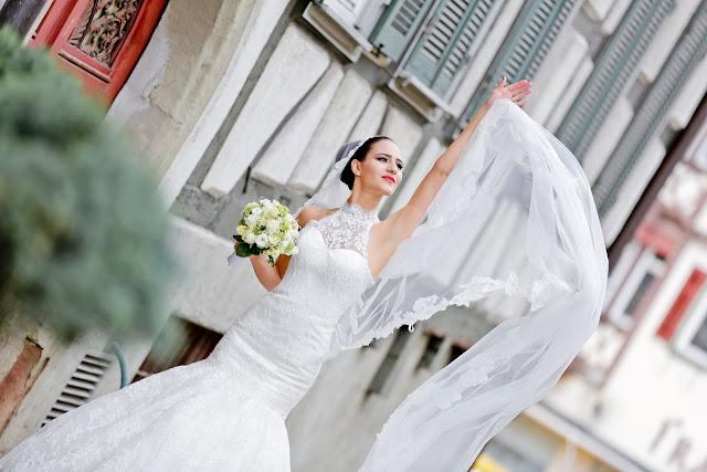 parisin vintage romantik sokaklarında eiffel kullesi manzarasında yaptığımız cekimin ardından kalan fotoğraflar turk fotografci