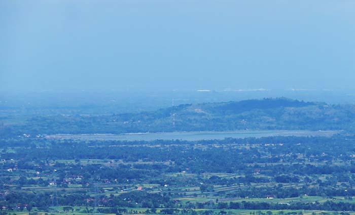 Rawa Jombor di Kabupaten Klaten dilihat dari Selo Langit (Watu Payung)