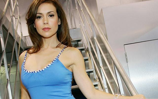 Hot Alyssa Milano Blue Outfit