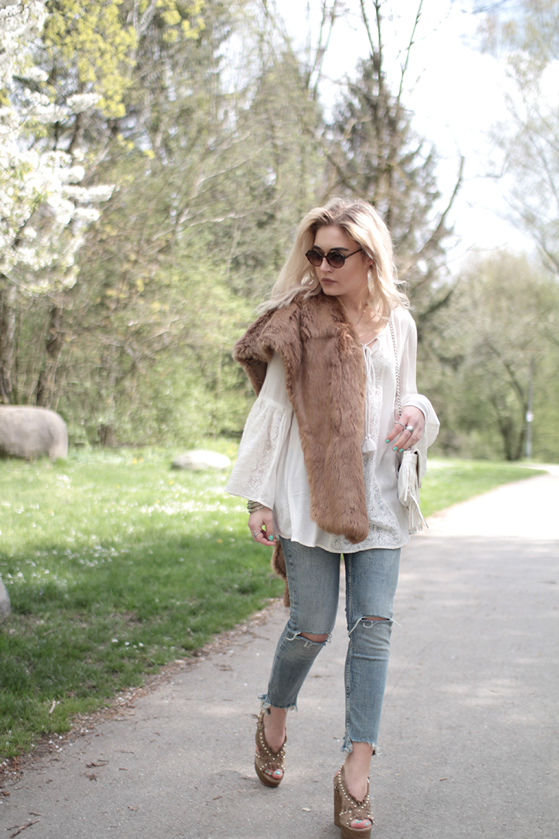 Mode-Blogger-Modeblogger-ootd-outfit-Look-Style-Streetstyle-Lauralamode-Style-lookbook-Munich-Muenchen-Fashionblogger-Mode-VOGUE-Sunglasses-Shop-ASH-Vintage-Fur-bershka-Calzedonia