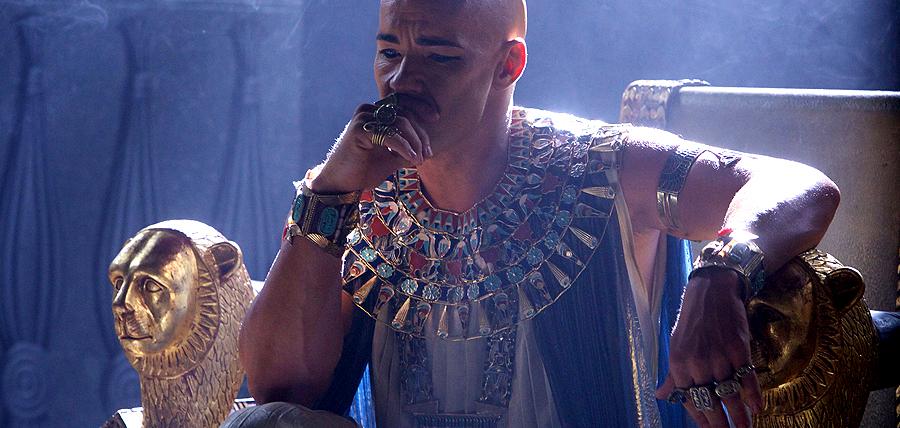Joel Edgerton de nerecunoscut în rolul Faraonului Ramses din filmul Exodus: Gods and Kings