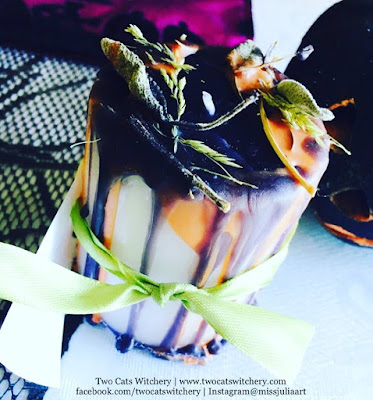 fall halloween candle for Two cats witchery