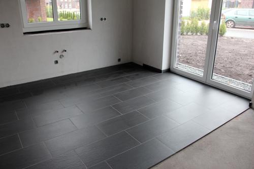 sockelleisten fliesen bad wohn design. Black Bedroom Furniture Sets. Home Design Ideas