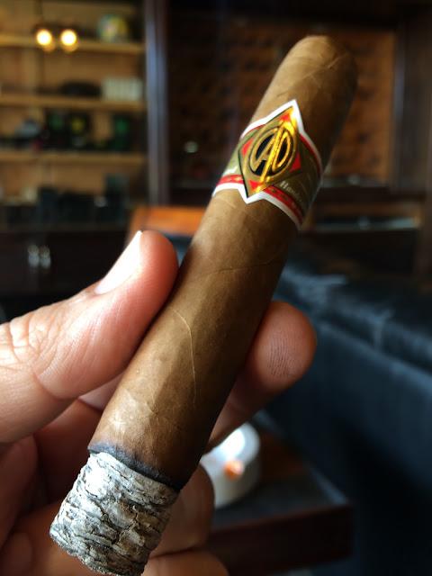 CAO Gold Robusto cigar 2