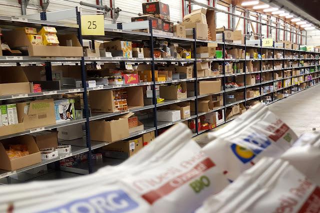 Les entrepôts géants au service du e-commerce