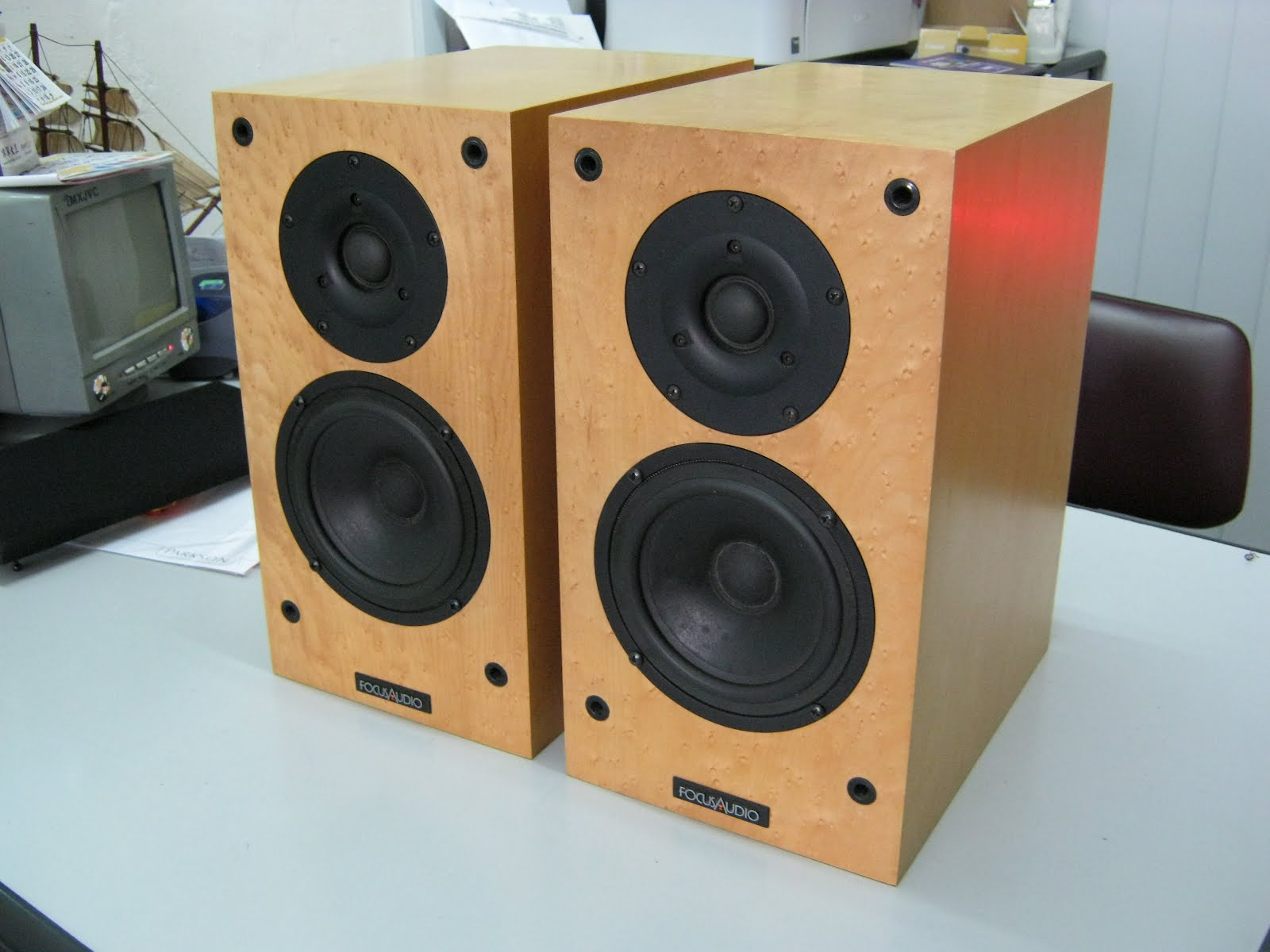 happy audio visual focus audio fc 10 speaker used sold. Black Bedroom Furniture Sets. Home Design Ideas