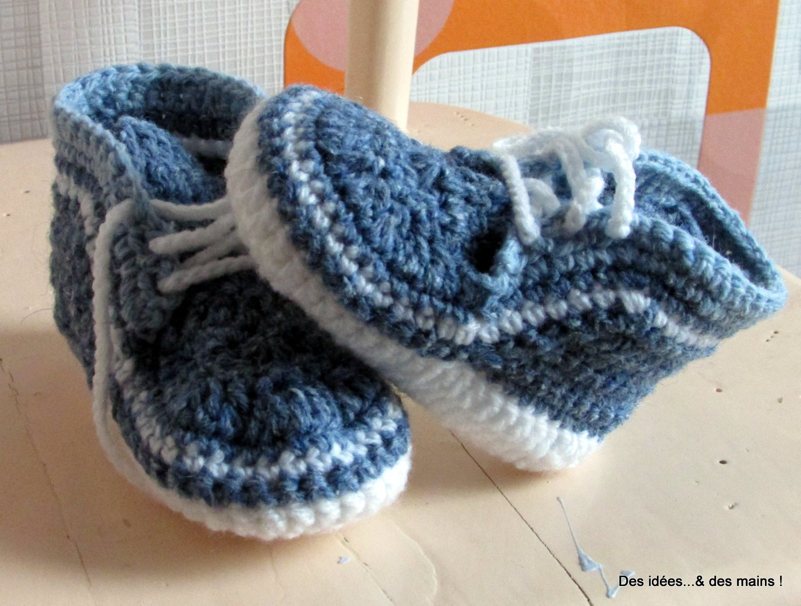 des id es des mains baskets au crochet pour b b. Black Bedroom Furniture Sets. Home Design Ideas