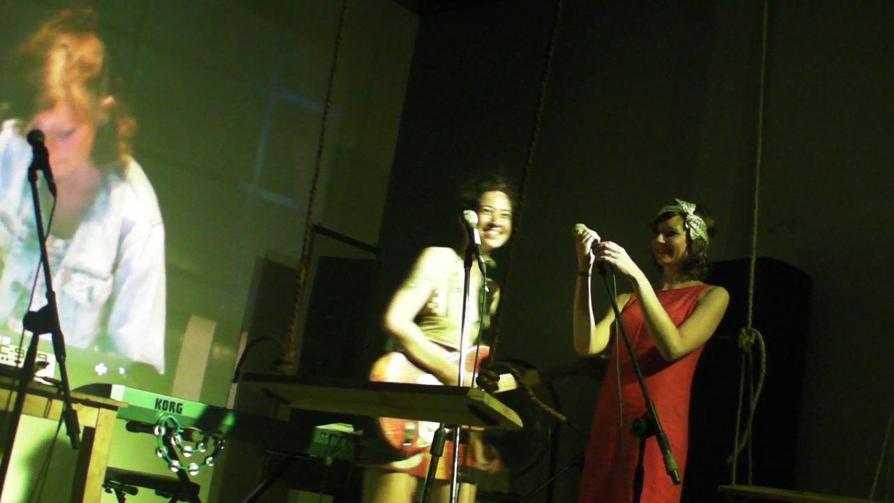 Zee Kraaszie Aorte Blog of Nicola Morton: 2011