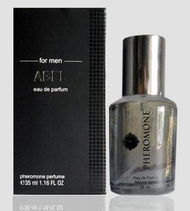 Identic Pheromone parfum pemikat wanita