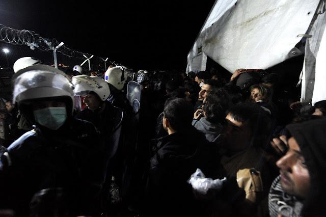 """Προσφυγικό: Πότε μία χώρα αρχίζει να αποκαλείται """"Μπανανία"""""""