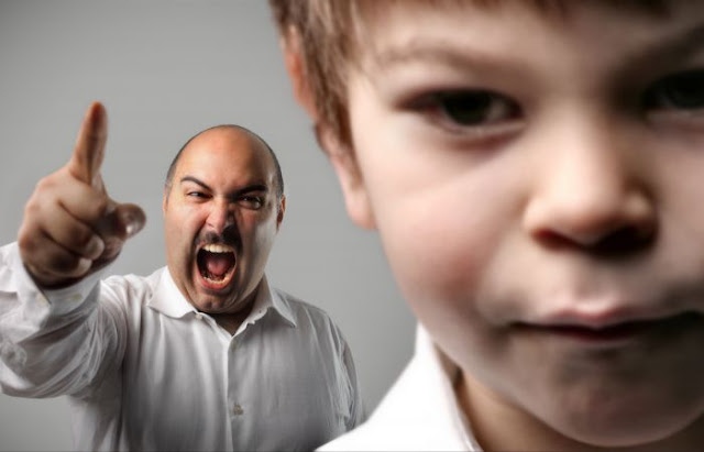 3 Perlakuan Orangtua ini Membuat Anak Menjauh dan Meninggalkan Mereka