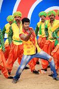 Madha Gaja Raja Movie Stills-thumbnail-1