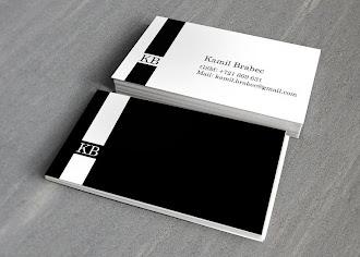 Solunda dikey şeritler olan önü beyaz arkası siyah bir kartvizit