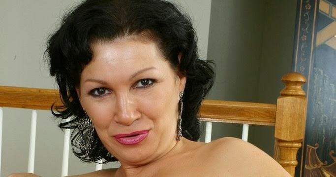 Raquel Sieb Nude Photos 12