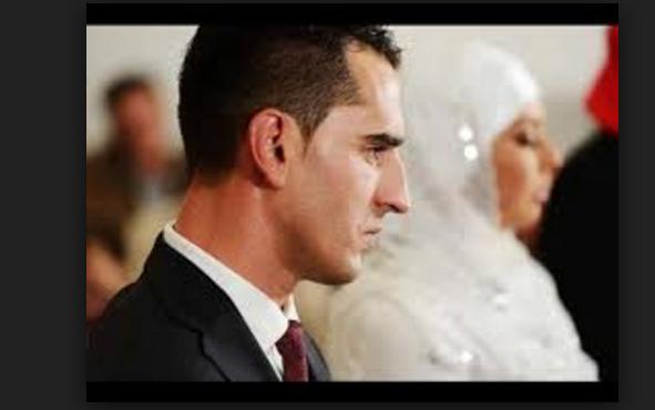 الزوجة الذكية التي  صبرت على زوجها 10 سنين  لايبوح لها بمشاعر حبه لها  فشاهد ماذا فعلت !!
