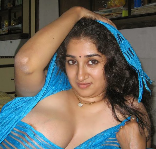 Hot Indian Rupali Aunty Exposing Boobs Through Transparent Saree - Stars With Big Breast-8589