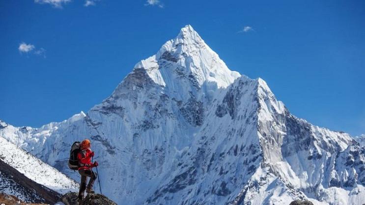 Wow, Orang Ini Telah Mendaki Puncak Everest 22 Kali!